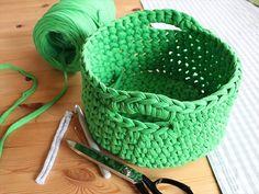33 Gorgeous No-Knit DIY Yarn Project Tutorials   DIY to Make