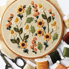 Summer Wildflowers E Floral Embroidery Patterns, Simple Embroidery, Hand Embroidery Stitches, Modern Embroidery, Embroidery Hoop Art, Hand Embroidery Designs, Hungarian Embroidery, Brazilian Embroidery, Embroidery Jewelry