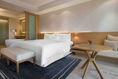 Executive Suite- spacious bedroom