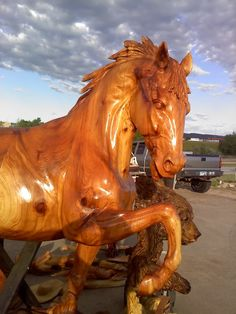Gorgeous horse chainsaw carving - Google Search