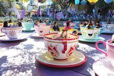 Must Disneyland Pict Disney Rides, Disney World Trip, Disney Vacations, Disney Parks, Disney Bound, Disneyland Pins, Disneyland Photos, Disneyland Resort, Disney Land Pictures