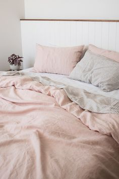 Cheap Home Decor Ultra luxurious pure French linen quilt cover in Blush.Cheap Home Decor Ultra luxurious pure French linen quilt cover in Blush Luxury Homes Interior, Home Interior, Interior Office, Modern Interior, Interior Design, Cheap Dorm Decor, Classic Home Decor, Gothic Home Decor, Home Decor Paintings