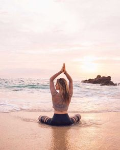 Yoga posen, yoga pants outfit, yoga inspiration, yoga for flexibility, guid Yoga Inspiration, Zen, Yoga Philosophy, Sup Yoga, Yoga Posen, Yoga Pictures, Learn Yoga, Yoga Photography, Kundalini Yoga