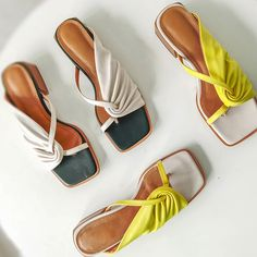 Leather Slippers, Fashion Sandals, Bare Foot Sandals, Crazy Shoes, Summer Shoes, Block Heels, Shoes Heels, Flats, Shoe Trend