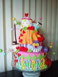 Pam's Custom Cakes: Topsy Turvy Alice in Wonderland