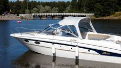 Yamarin Powerboat model range: Day Cruisers, Bow Riders, open Console Boats and the smart Yamarin Cabin. Power Boats, Sun Lounger, Cabin, Day, Classic, Outdoor Decor, Chaise Longue, Motor Boats, Cabins