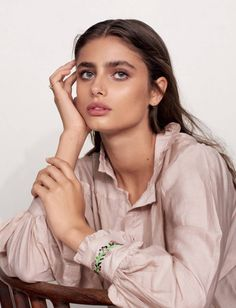 Top model Taylor Hill flashes a smile on the March 2017 cover of Glamour France. Photographed by David Cohen de Lara, the Victoria's Secret Angel poses in a pink, Isabel Marant belted jacket with rolled up sleeves. Inside the magazine, Taylor shows off effortless style from the spring collections. Whether wearing a humble blouse or …