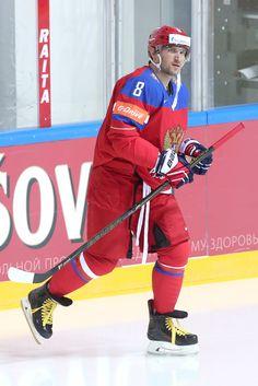 ОВЕЧКИН: НА МАТЧЕ РОССИЯ-НОРВЕГИЯ НУЖНА ПОБЕДА!  - Нужна победа, хорошая, красивая игра, болельщиков нужно порадовать, - сказал Ови после тренировки. Captain America, Hockey, Russia, Superhero, Fictional Characters, Field Hockey, Fantasy Characters, Ice Hockey
