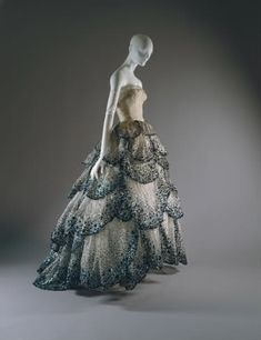 """I have always loved this dress~ Dior """"Junon"""" Dress (f/w 1949-50)"""