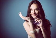 Em 2014 a indústria de cosméticos foi responsável por 11% do mercado nacional. Aproveite a oportunidade de produzir seu próprio perfume