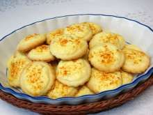 Bryndzové kolieska Mashed Potatoes, Macaroni And Cheese, Muffin, Food And Drink, Eggs, Breakfast, Ethnic Recipes, Basket, Cheese Recipes