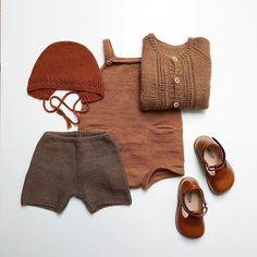 @nordiskstrik Jeg er igang med at gøre forårsgarderoben klar til August. Opskrifterne på #ahornleggings og #birkekyse finder du i min bog #omhu som kan købes landet over. #nordiskstrik #omhu #striktildemindste #barnestrikk #børnestrik #strik #strikk #knitting #knittersofinstagram #fortheloveofknitting #knittingforolive #turbineforlaget #knittingforolive #strikkeopskrift #bogudgivelse #strikkebok #pocketplaysuit #ministrikk