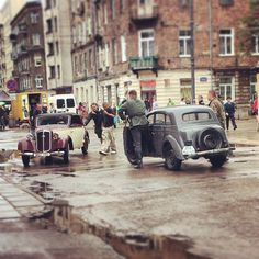 Found on Starpin. #Warszawa #Praga #movie #vintage #cars