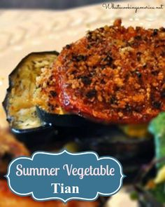 Layered Summer Vegetable Tian au gratin is a beautiful and savory dish of Provence baked full of early summer flavors. Vegetable Tian, Vegetable Dishes, Summer Vegetable Recipes, Summer Recipes, Food Network Recipes, Wine Recipes, A Food, Good Food, Gratin Dish