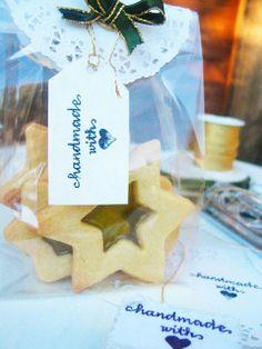 DOLCI TRASPARENZE. Pacchettino regalo e biscotti col vetro handmade