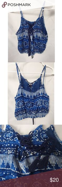 House of Harlow 1960 Crop Top NWT House of Harlow 1960 blue and white printed crop top. Tassel ties at the top. Excellent condition! Size small. House of Harlow 1960 Tops Crop Tops