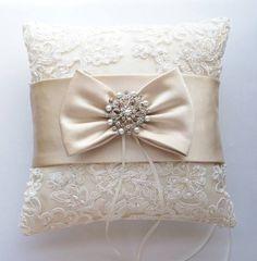 ring-bearer-pillow-ideas.jpg (570×581)