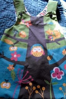A while back I bought a toddler pinafore to use as a sewing pattern. I could have bought a pattern, but they are expensive and hard to under. Kids Clothes Patterns, Sewing Kids Clothes, Kids Patterns, Dress Sewing Patterns, Sewing For Kids, Baby Sewing, Kids Clothing, Clothing Ideas, Stylish Little Girls