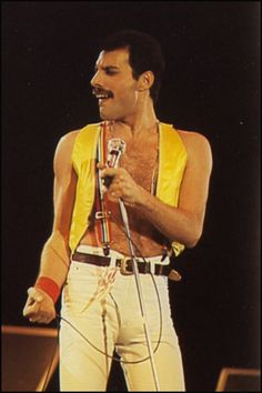 Freddie Mercury Passion's The King Of Queen Fan Club has members. Dedication and Memorial page for Freddie Mercury. This page is not affiliated with Queen or Freddie Mercury. Queen Freddie Mercury, John Deacon, Queen Lead Singer, Freddie Reign, King Of Queens, Roger Taylor, Queen Photos, We Will Rock You, Queen Band