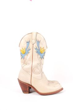 c6b8d66fe0 VINTAGE Ivory Leather Cowboy Boots w Blue Yellow Inlay sz 7.5 | Rare White  Cowgirl Boots w Stitching | Heeled Western Boots by AmericanDrifter on Etsy