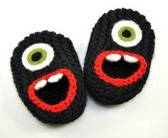 Wol Baby Monster sloffen zwart wol Baby Slippers door HandKnitHugs
