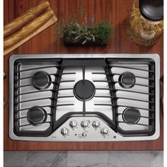 Offered in black to pair perfectly with any kitchen, this cooktop is the finishing piece to your ideal kitchen. This stovetop features Energy Star compliance for a finishing touch. Product Features: E