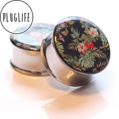 Badass handmade plugs (gauges) for your ear lobes. Ear Jewelry, Body Jewelry, Jewellery, Stretched Lobes, Tunnels And Plugs, Gauges Plugs, Hawaiian Print, 316l Stainless Steel, Indie Brands