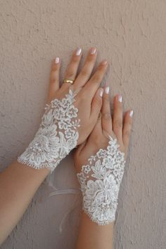ivory Wedding Gloves ivory lace gloves collar by WEDDINGHome, $35.00