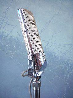 Vintage 1960s Realistic 33-999 Dynamic microphone Japanese used old midcentury