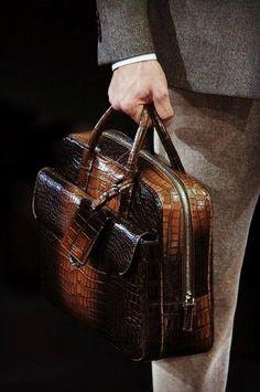 Alligator Briefcase Laptop Shoulder Messenger Bag for Men – Bag İdeas Laptop Messenger Bags, Laptop Bags, Briefcase Women, Wallet With Coin Pocket, Handbag Patterns, Minimalist Wallet, Fashion Handbags, Luxury Handbags, Shoulder Bags