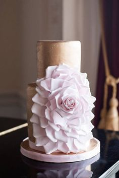 Ideas For Amazing Wedding Cakes ❤︎ Wedding planning ideas & inspiration. Wedding dresses, decor, and lots more. Mini Wedding Cakes, Beautiful Wedding Cakes, Perfect Wedding, Cake Shapes, Wedding Blog, Wedding Bride, Wedding Ideas, Wedding Dresses, Wedding Cake Designs