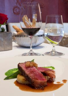 New York Tenderloin with Shallot Confit, Peas Purée and Red Wine Sauce Recipe