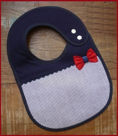 Baby pattern Source by Baby Sewing Projects, Sewing For Kids, Baby Bibs Patterns, Sewing Patterns, Baby Bib Tutorial, Bib Pattern, Baby Crafts, Baby Wearing, Baby Quilts