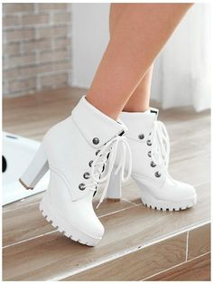Fashion Boots, Sneakers Fashion, Kawaii Shoes, Chunky Shoes, Aesthetic Shoes, Fresh Shoes, Hype Shoes, Cute Boots, Types Of Shoes
