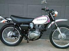 Honda XL 250 - Yes, I had an XL 250 with a DIY custom metalic paint job Classic Honda Motorcycles, Honda Motorbikes, Honda Scrambler, Enduro Motorcycle, Vintage Motorcycles, Yamaha Tw200, Honda Dirt Bike, Dirt Bike Racing, Honda Bikes