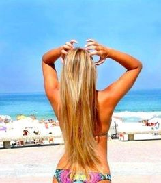 Blonde hair extensions & the beautiful beach!