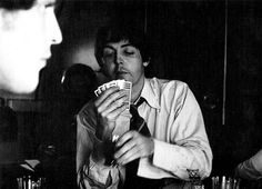 S. J. Paul McCartney♥♥ Play your cards right