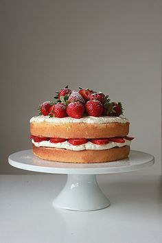 Strawberry and Cream Sponge Cake | Oh Sweet Day!