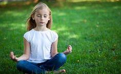 Ici ou ailleurs, il est souvent question de notre stress, et avec raison ! Mais on a parfois tendance à oublier que nos enfants, petits et grands, vivent eux aussi des stress plus ou moins intenses : stress scolaire, stress familial, pression du temps...