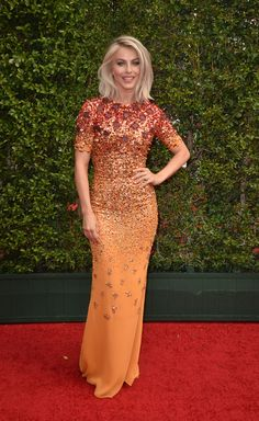 Julianne Hough in Jenny Packham on the Creative Arts Emmy Awards red carpet.