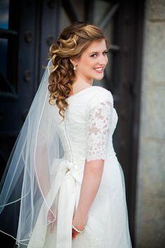 Stunning Bridal Look - Modest Wedding Gown #themodestbride http://www.pinterest.com/modestbride/boards/
