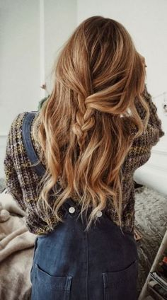 20 Cute Holiday Hairstyles To Complete Your Look - Society19