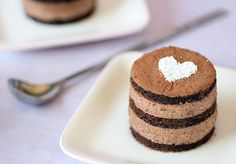 Dessert First-malted chocolate mousse cake Mini Desserts, Just Desserts, Sweet Recipes, Cake Recipes, Dessert Recipes, Dessert Cups, Food Cakes, Cupcakes, Cupcake Cakes