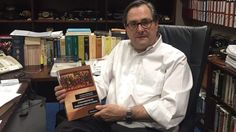 El doctor Marhuenda presenta sus Fundamentos de Derecho Constitucional