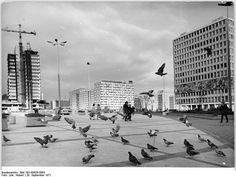 "Berlin, Alexanderplatz, ""Haus des Lehrers"", 1971"