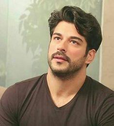 ♥♥♥ Turkish Men, Turkish Actors, Older Mens Hairstyles, Burak Ozcivit, Portrait Photography Men, Cute Stars, Actrices Hollywood, Insta Photo Ideas, Handsome Actors