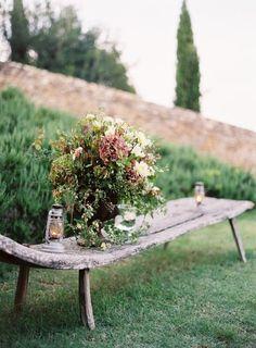 rustic floral | jose villa + joy thigpen via OnceWed Magazine