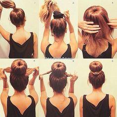 Можно использовать как массивную резинку, так и бублик для волос.