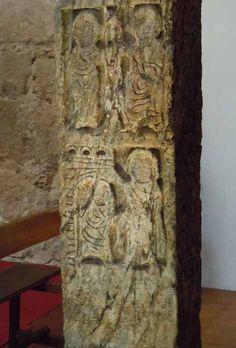 Relieve Visigodo. Pilastra de Iglesia de San Salvador. Detalle: Cristo y Samaritana. Curación hemorroisa Toledo.