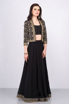 Trendy Skirt Long And Top Indian Black Ideas Indian Skirt, Indian Dresses, Indian Outfits, Indian Attire, Indian Clothes, Lehenga Crop Top, Black Lehenga, Lehenga Skirt, Saree
